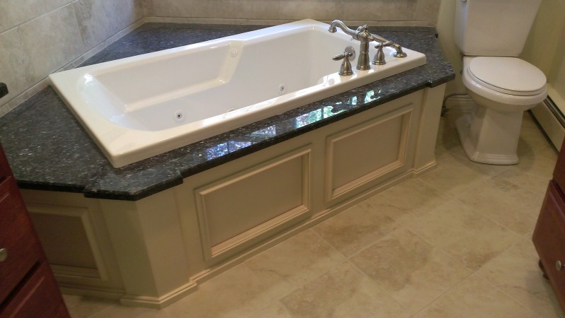 Choosing the Right Bathtub Now To Prevent Injuries Later - P&D ...